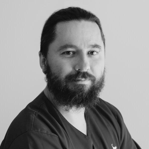 lek. wet. Maciej Bartolik, specjalista chirurg